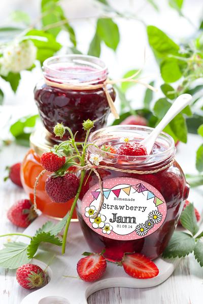 strawberry jam label hero shot